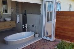 JFS Interiors_outdoor living bathroom